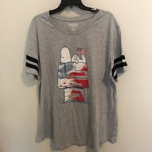 Peanuts Snoopy patriotic tee runs small NWT